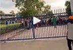 Yaw Tog Causes Commotion In Front Of A Senior High School Entrance