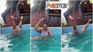 Abena Korkor causes stir as she opens her legs so wide while swimming